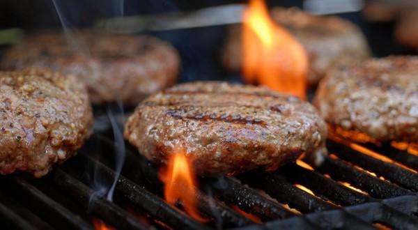 Hamburger au boeuf haché épicé - Recette Barbecue